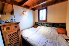 Appartement à Bellevaux - A LOUER A L`ANNEE T2bis HIRMENTAZ